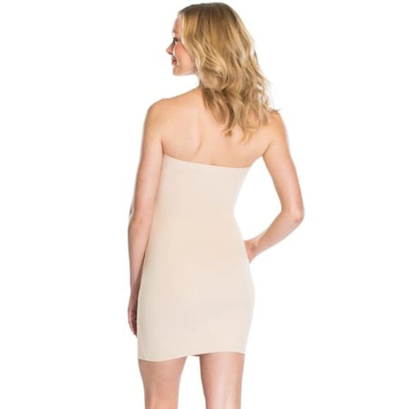 NWT Red Hot by Spanx Sleek Slimmers Strapless Full Slip 2253  Womens Beige